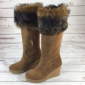 NWT UGG Valberg Brown Boots. Size 9.5.